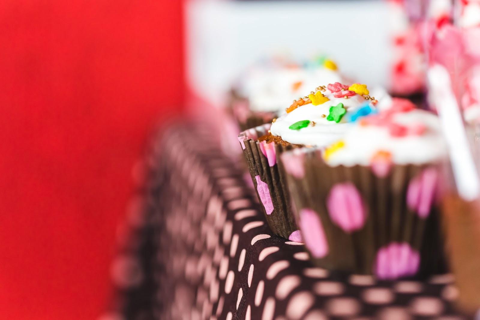 chá - chá de panela - chá rosa marrom - paleta rosa marrom - guloseimas - mesa doces - cupcake