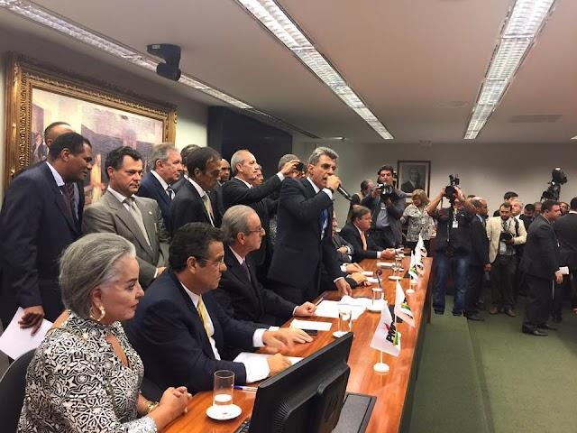 PMDB deixa o governo Dilma