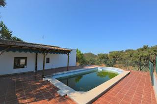 se vende conjunto rural de finca de 10 hectareas y 2 casas en sierra de Sevilla El Madroño