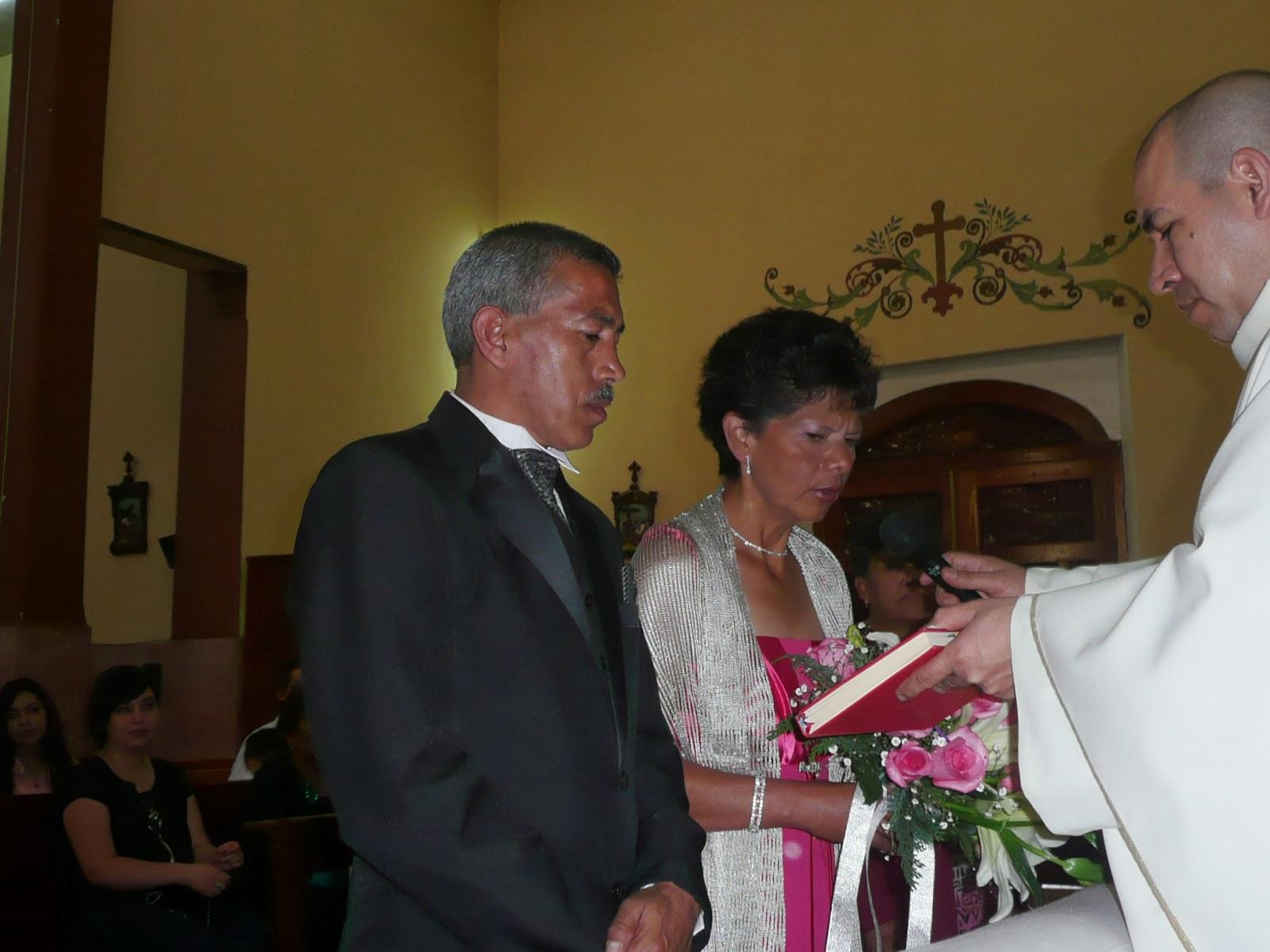 8b6e4bcbc Ofelia Martínez contrajo matrimonio por segunda vez en su vida… pero con el  mismo hombre.