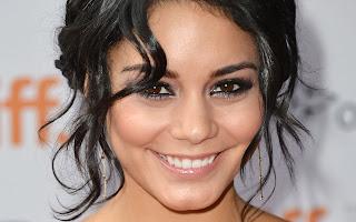 Vanessa Hudgens super cute smile actress