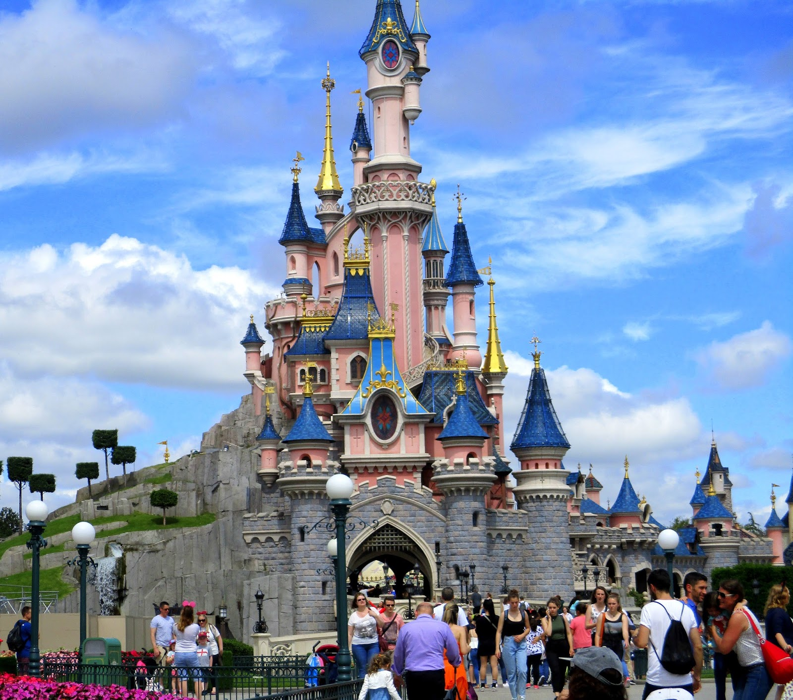 Package Holidays Eurodisney Paris  lifehacked1stcom