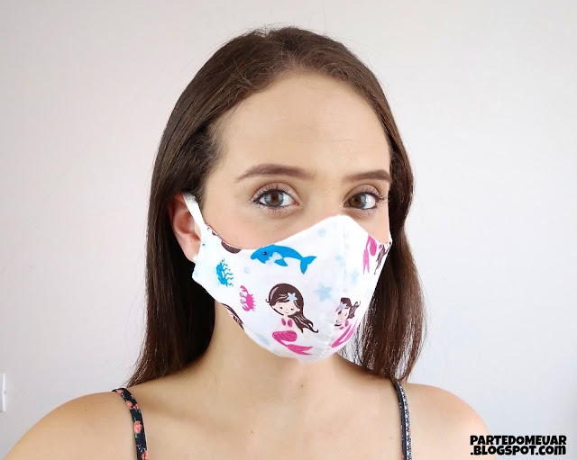 mascara tecido bico de pato
