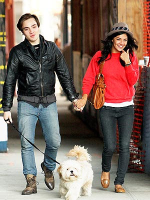 Hollywood Stars: Ed Westwick With His Girlfriend Jessica ...