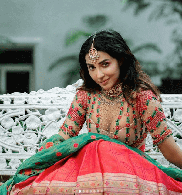 parvat-nair-magic-with-ssandal