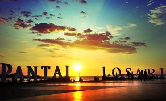 Enjoy the Very Beautiful Panorama of Losari Beach