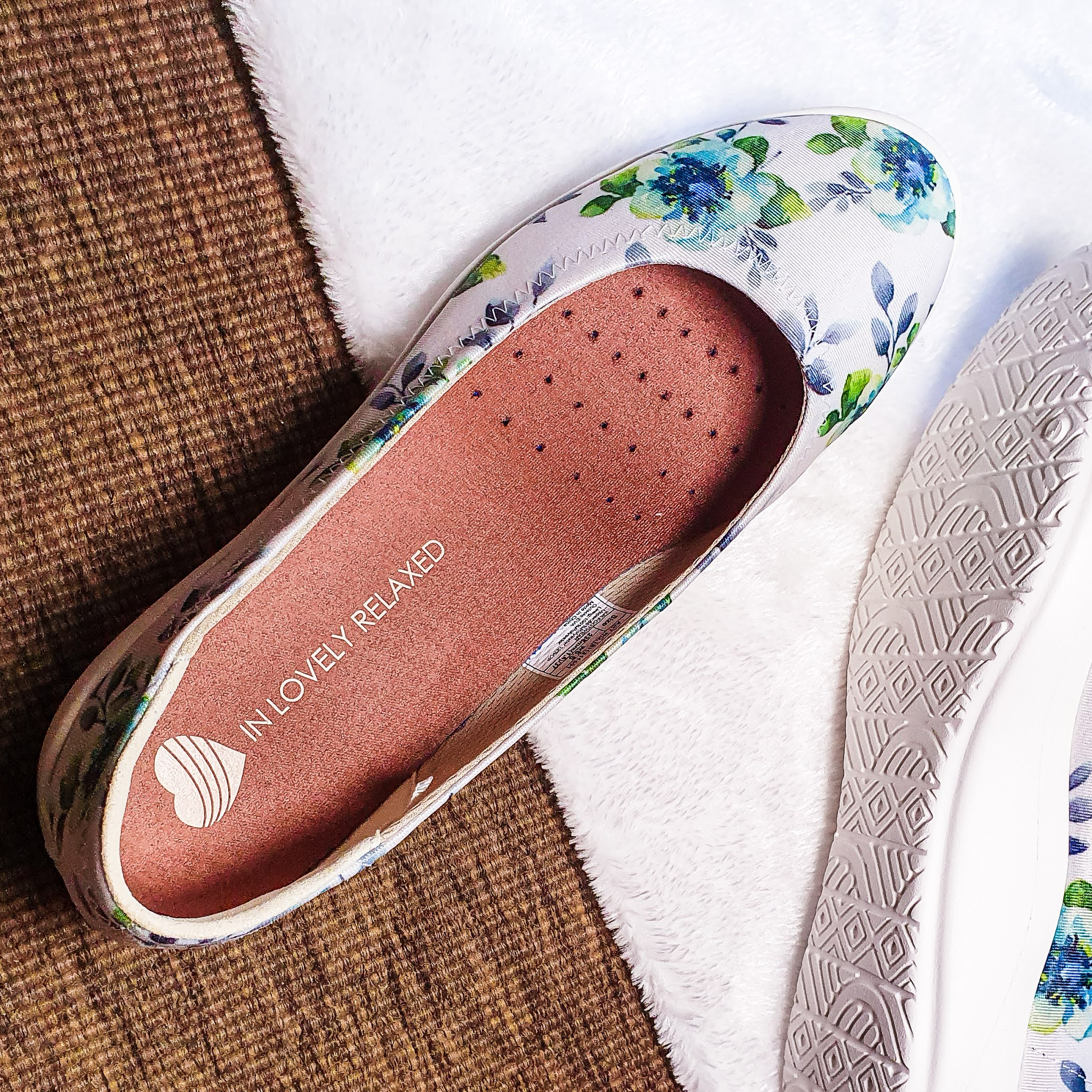 see the thickness of the breathable insole
