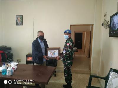 Satgas Yonmek XXIII-O/UNIFIL Berikan Donasi Kepada Masyarakat Tulin