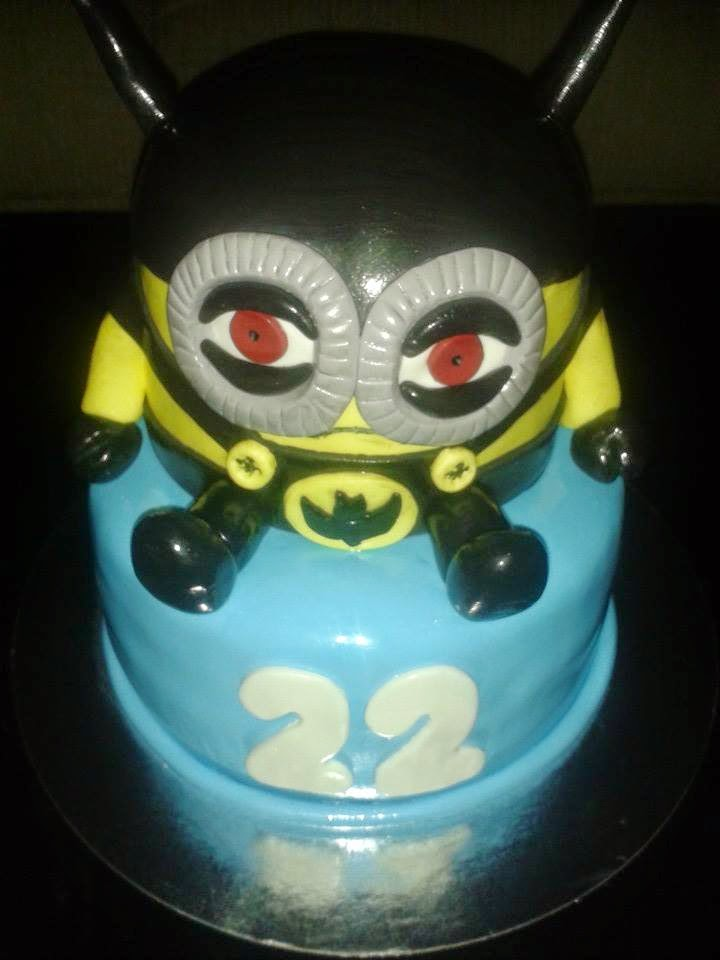 TARTA FONDANT MINION BATMAN