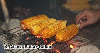 Acara Bakar-Bakar merupakan tradisi dan kebiasan unik yang terjadi di Indonesia saat tahun baru