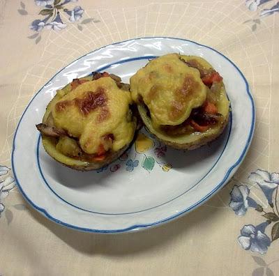Patatas Rellenas y Gratinadas con Bechamel.