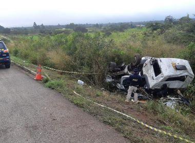 Vitória da Conquista: Homem em carro guinchado por caminhão morre em acidente