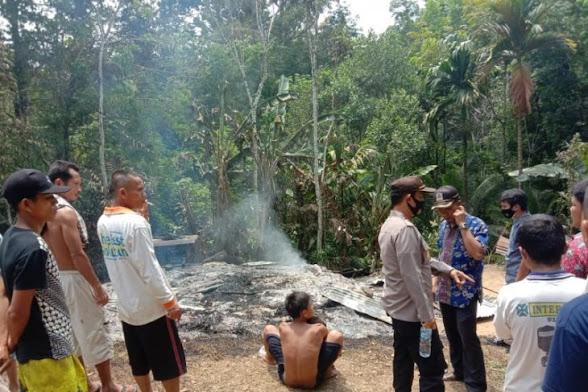 Seorang Anak Lumpuh Tewas Akibat Rumahnya Terbakar di Gunungsitoli