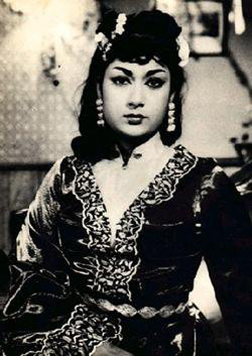 Nisha Agarwal Hd Wallpaper Mahanati Savitri Rare Large Photo Collection Set 1