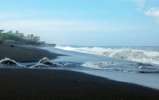http://www.teluklove.com/2017/02/pesona-keindahan-wisata-pantai-siyut-di.html