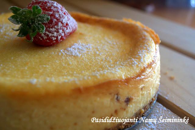 RECEPTAS: Klasikinis sūrio pyragas