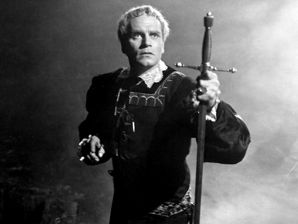 Old Hollywood Films: Hamlet (1948): A Medieval Film Noir