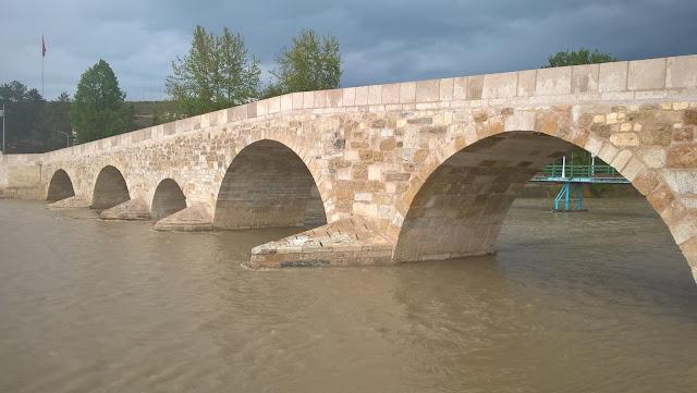 Kastamonu'nun Taşköprü ilçesinde bulunanTaşköprü, Kastamonu