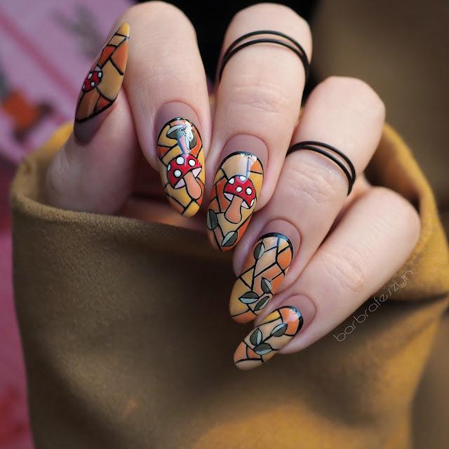 witraż na paznokciach