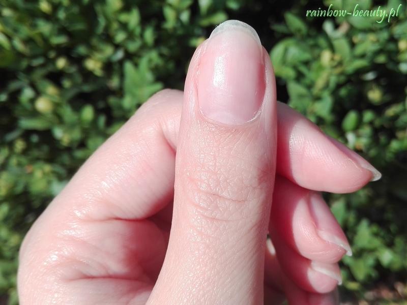 czy-hybrydy-niszcza-paznokcie-manicure-stan-plytki