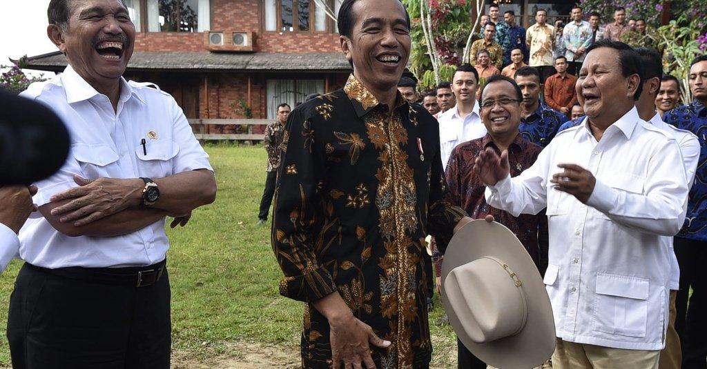 Ratusan Kapal Cina Bebas Keluar Masuk Perairan Natuna, Menteri Luhut dan Prabowo Kok Diam Saja?