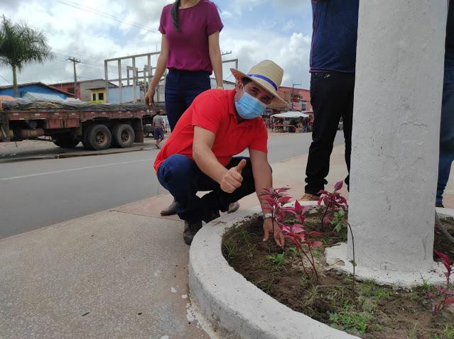 SANTA RITA: Secretaria municipal de Agricultura realiza arborização e ornamentação pelo município