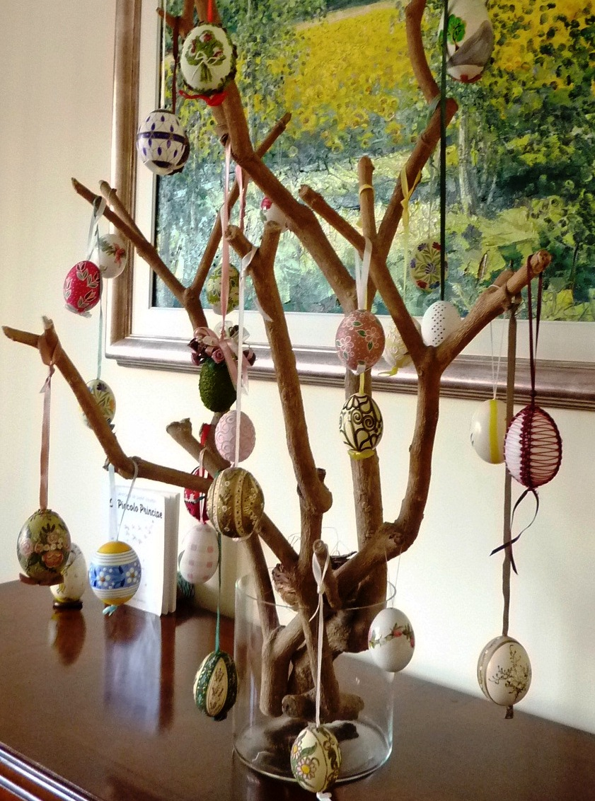 Riciclo creativo craft and fun albero di pasqua uova decorate - Albero di pasqua idee ...