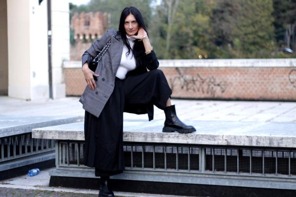 outfit, influencer, influenceritalia, influenceritaliana, verona, blogger verona, fashionblogger italiana, fashionblogger verona, look, look androgino, giacca doppio colore, paola buonacara, themorasmoothie