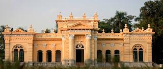 ঘুরে আসুন নাটোর রাজবাড়ি , নাটোরের একটি বিশিষ্ট রাজপ্রাসাদ।