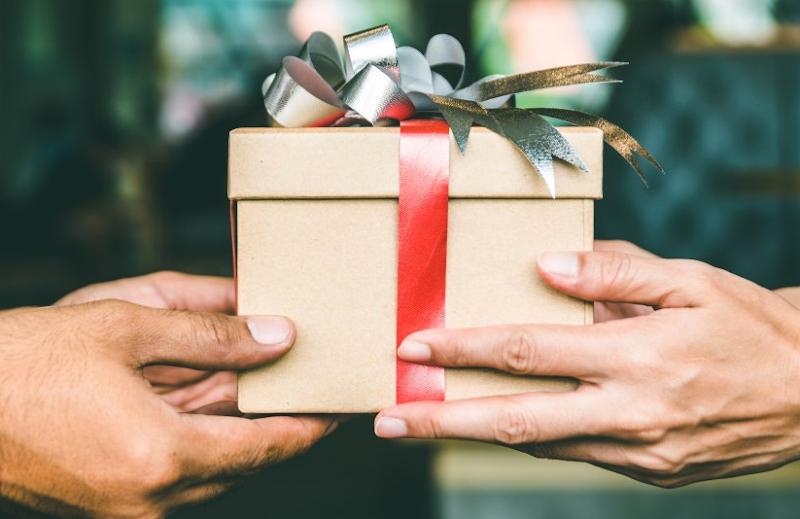 Senarai Lengkap Cadangan Hadiah Untuk Lelaki (Suami / Boyfriend / Ayah)