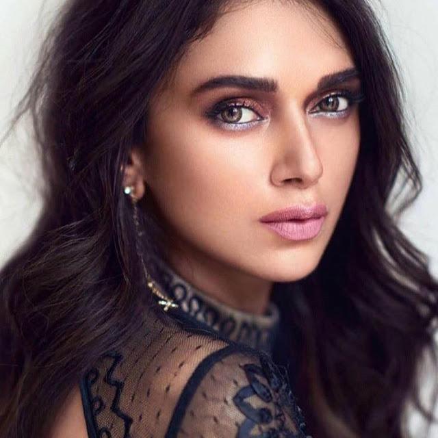 Aditi rao hydari,feet,new Hot movies,husband,farhan akhtar,age,bikini,instagram,biography,dresses,photoshoot,religion