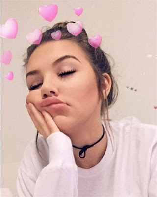selfie sola tumblr filtro corazones