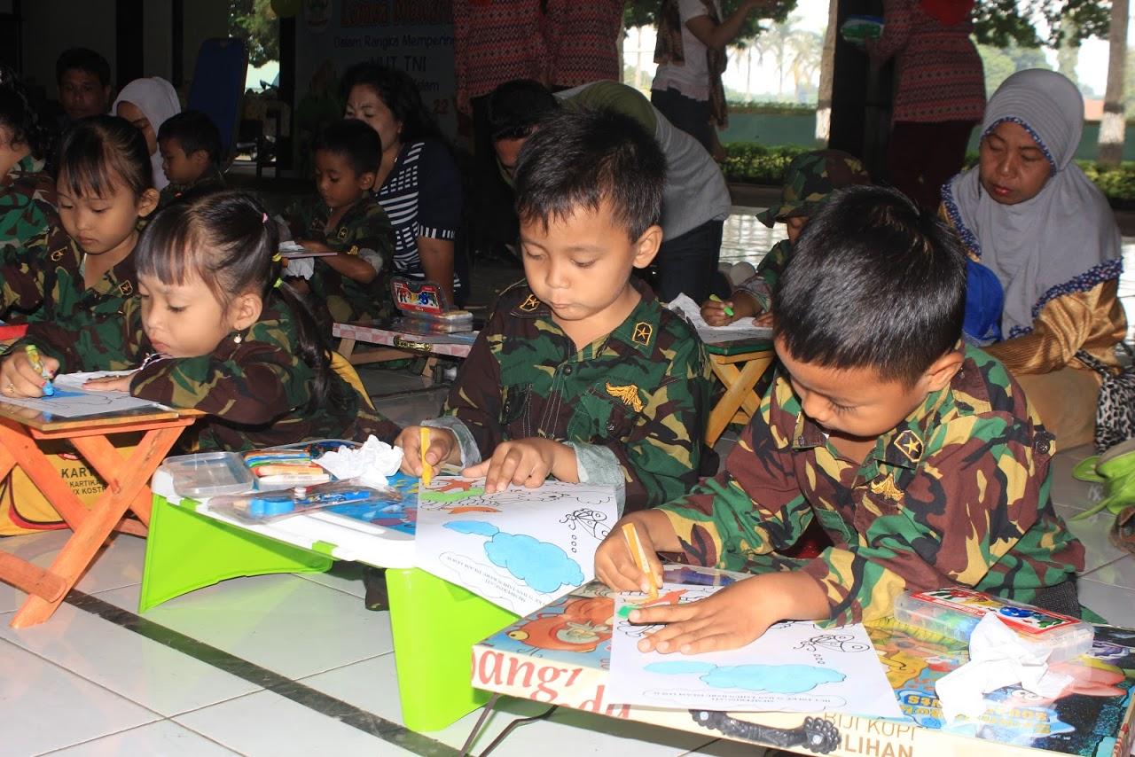 Mewarnai Gedung Sekolah Tk Gambarhitamputih Website