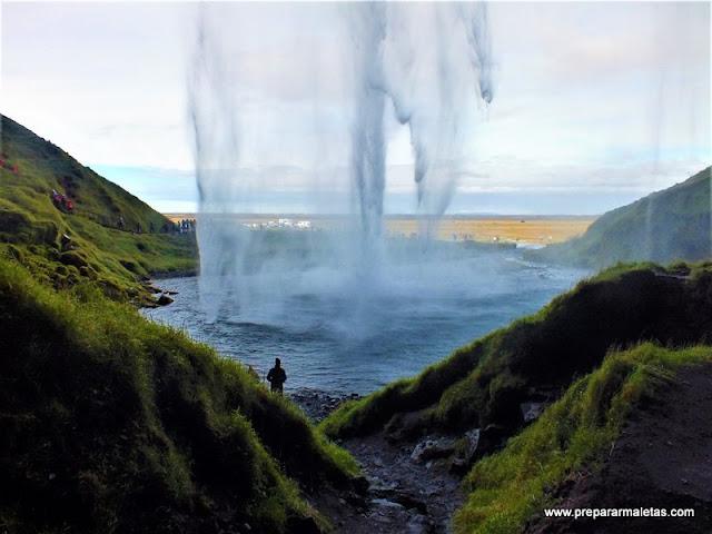 Seljalandsfoss cascada que no te puedes perder Islandia