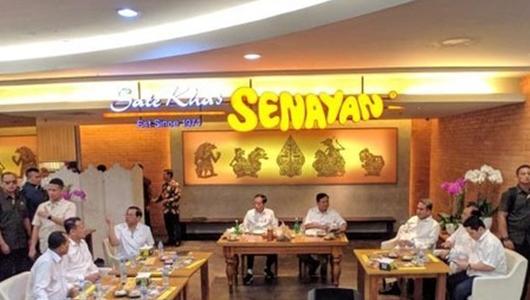 Jokowi dan Prabowo Makan Siang Bareng di Fx Senayan