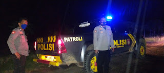 Menemalaisir Tindak Pidana, Personel Polsek Cendana Polres Enrekang Patroli Blue Light Sekaligus Beri Himbauan