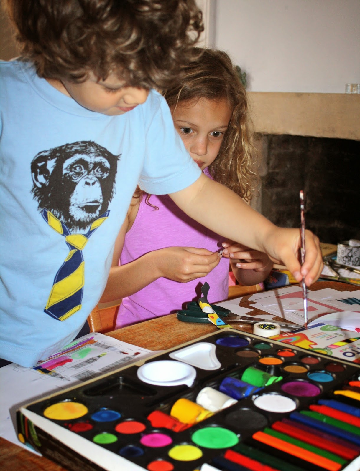 kids crafting