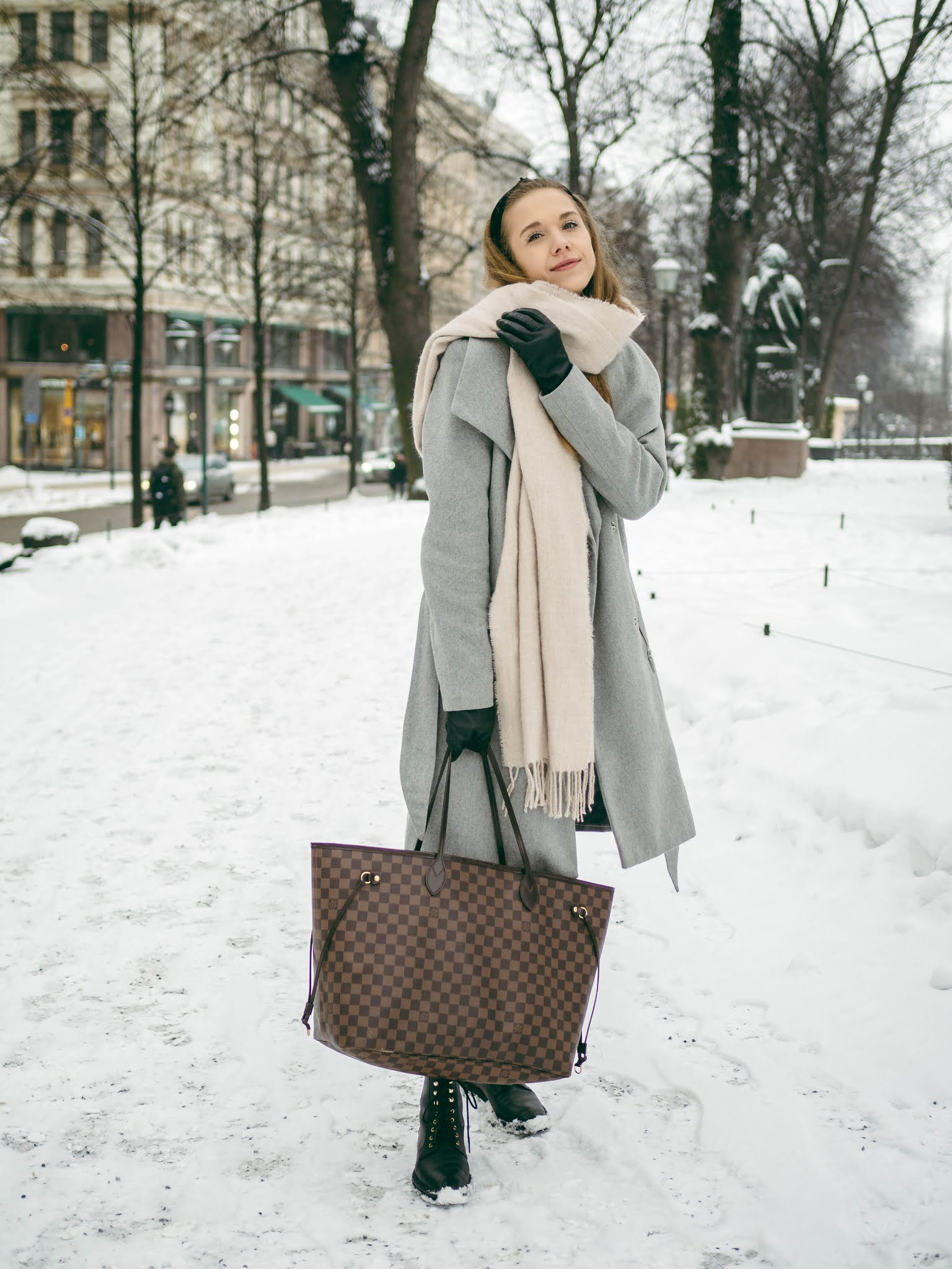 Asukokonaisuus talveen, neule ja ribbattu hame // Winter outfit, knit and ribbed skirt