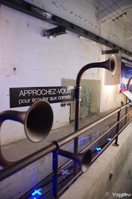 Sala di ascolto in cui è riprodotto l'interno del sottomarino