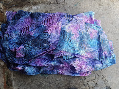 Gaya batik menjadi salah satu tren fashion