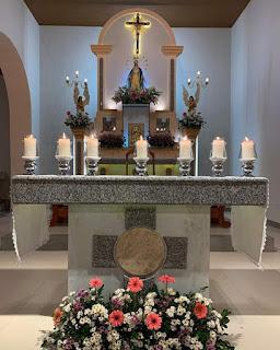 Em Ouro Velho: Bispo celebra a abertura dos festejos em honra à Nossa Senhora das Graças e abençoa novo Altar da Comunidade