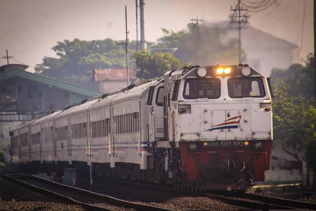 Hobi Liburan dengan Fasilitas Berkelas, Cek dan Beli Tiket Kereta Mutiara Selatan di Sini Untuk yang Aktif Liburan