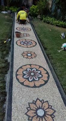 Batu Sikat Lantai Hitam Dan Putih