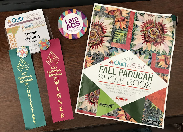 FABRIC THERAPY: Pictures from the AQS Fall Paducah Quilt Show... : aqs quilt show paducah - Adamdwight.com