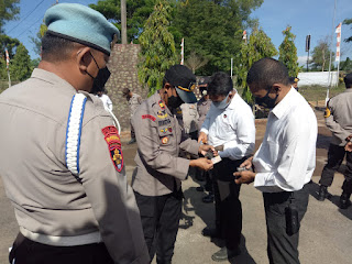 Kapolsek Parangloe Bersama Kanit Provos Cek Sikap Tampang Anggota dan Senpi Inventaris.