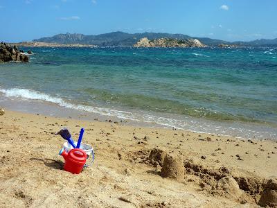 https://voyagestousrisques.blogspot.com/2020/01/sardaigne-belles-plages.html