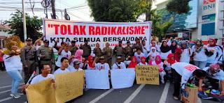 Ratusan Masyarakat Lumajang Turun Ke Jalan Tolak Radikalisme
