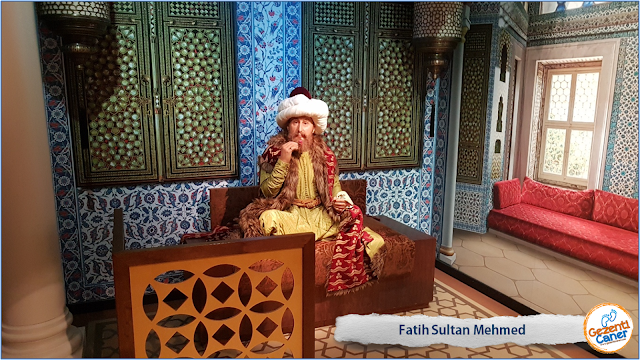 Fatih-Sultan-Mehmed-Balmumu-Heykeli-Madame-Tussauds-istanbul