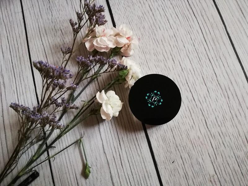 Pixie Cosmetics podkład mineralny w pudrze Almond Milk