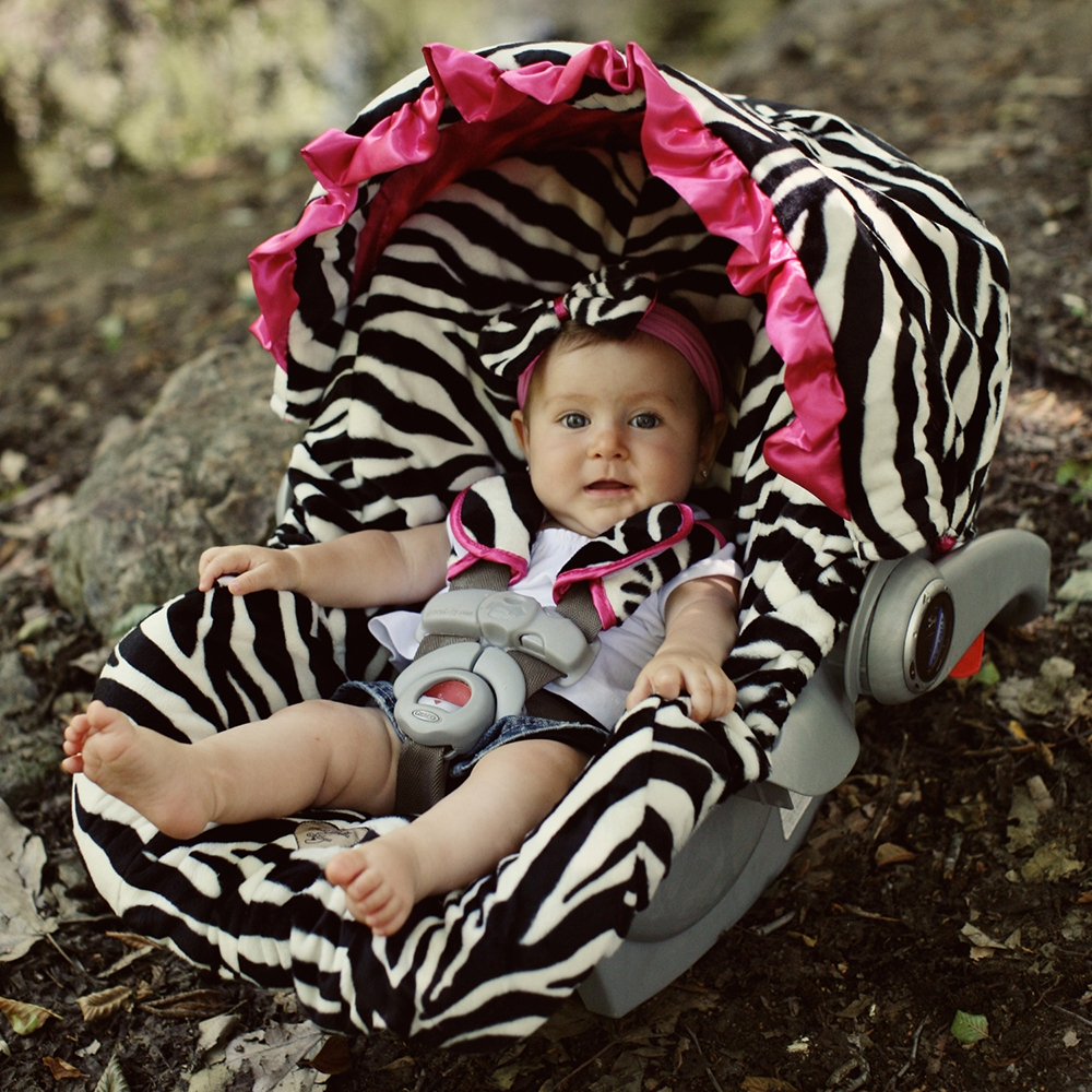 New Age Mama Baby Bella Maya Car Seat Cover